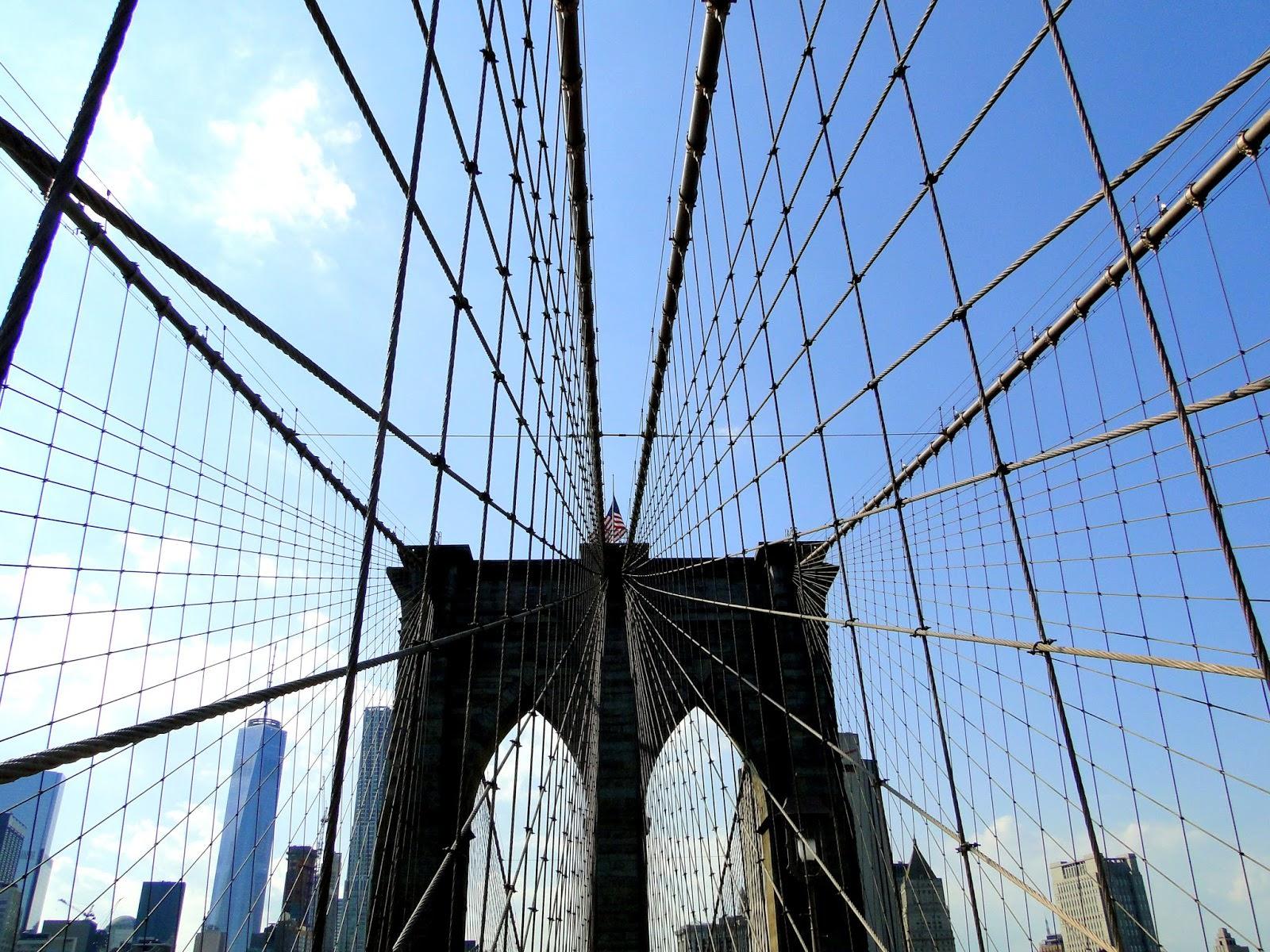 Brooklyn Bridge im Sonnenschein