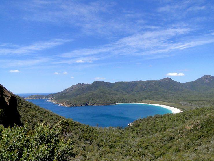 Die Wineglass Bay von oben