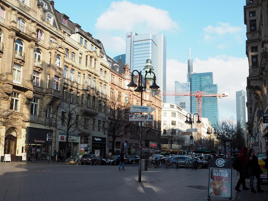 Frankfurt erkunden mit der Alternative Free Walking Tour