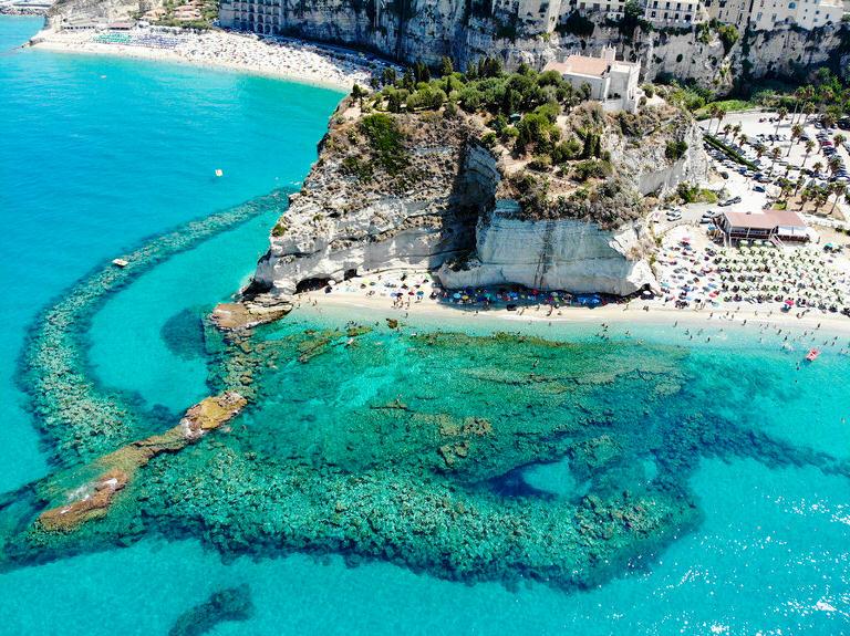 Die schönsten Strände der Welt: Der Strand von Tropea, Italien • Join The Sunny Side